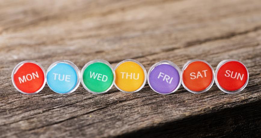 أيام الأسبوع بالإنجليزي .. دليل شامل مع أمثلة ونصائح لحفظها