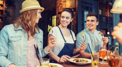نصائح مفيدة لطلب طلبات مطاعم باللغة الإنجليزية في مطعم   Kaplan Blog
