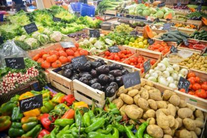 مصطلحات إنجليزية تستخدمها في سوبر ماركت Food-healthy-vegetables-potatoes