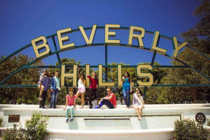 Take a photo with the iconic Beverly Hills sign