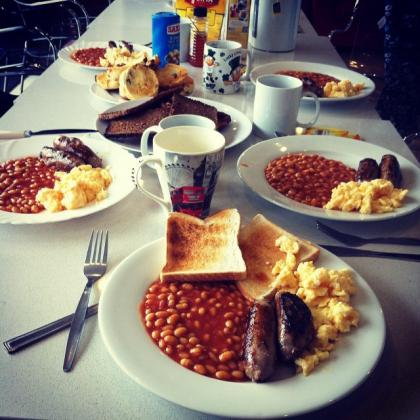 Student Tiffany from our London school enjoys an English breakfast!