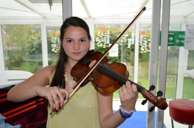 Sandra has been playing the violin for 5 years