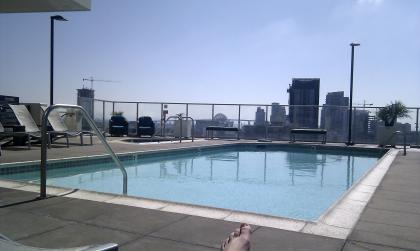Kaplan San Diego: Vantage Pointe Apartment Roof Pool