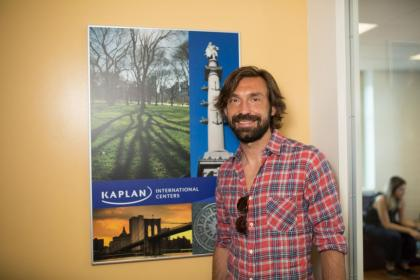 Interview d'Andrea Pirlo à Kaplan New York Empire State Building