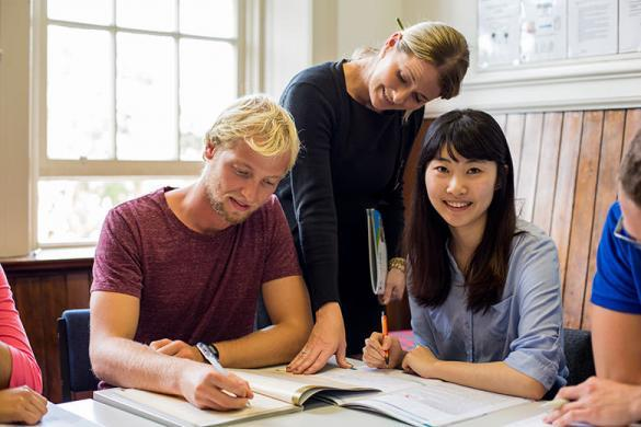 Which is the best english course in jakarta, indonesia?